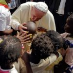 Vaticano faz ação beneficente em prol de crianças africanas