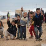 Papa chama atenção para o drama das crianças refugiadas