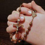 Francisco: rezar o Terço traz paz à Igreja e ao mundo