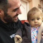 Jogador de futebol abandona carreira para salvar a vida de sobrinho
