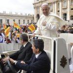 Papa: com o Sacramento da Crisma ser sal e luz do mundo